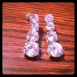 Jewelry - NEW crystal bridal bling drop earrings